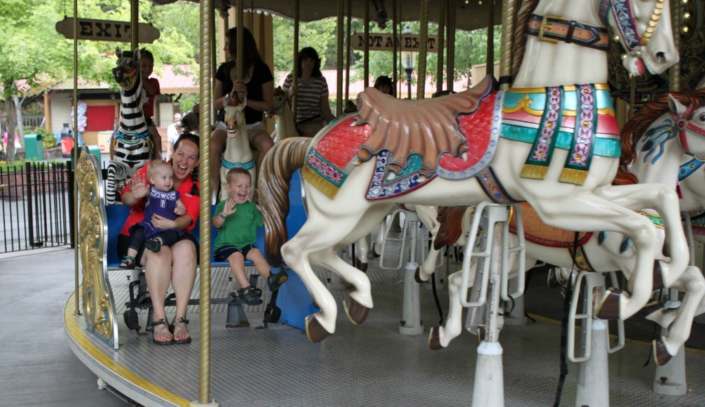 dollywoodcarousel