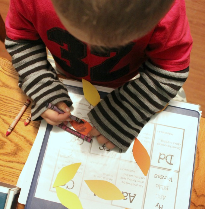 Create a Thankful Tree Preschool Craft