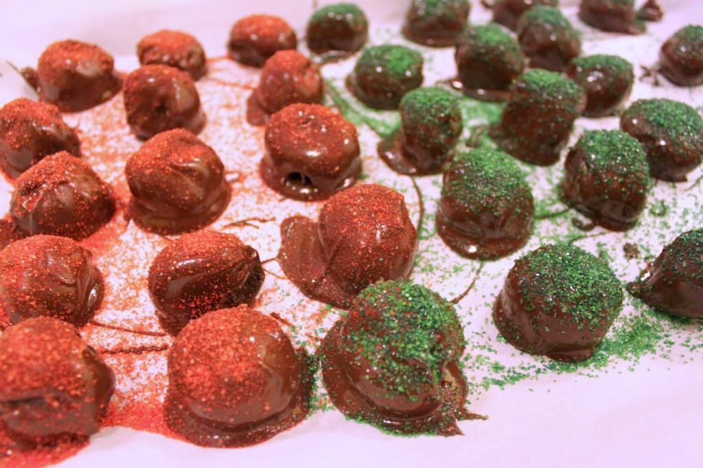 Sprinkles on #OREOCookieBalls  #ad