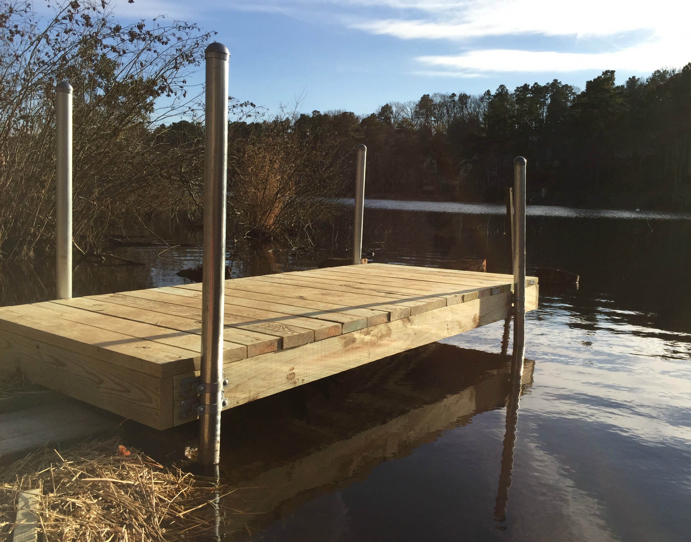 Ny nc how to build a small boat dock for Pond pier plans