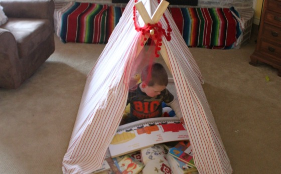 Create an easy DIY Play Tent and Reading Nook FB