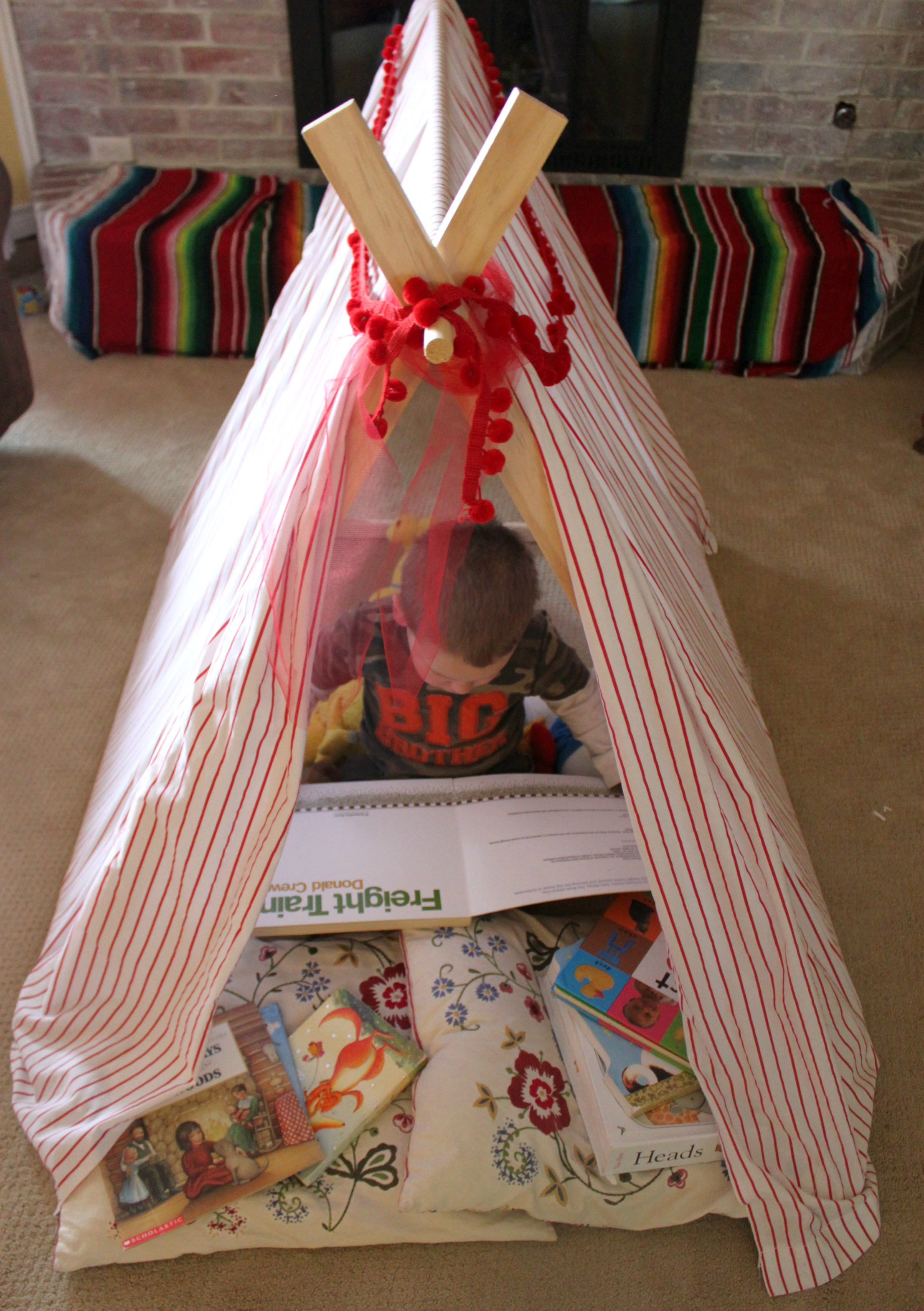 The cutest little DIY play tent and reading nook & Create a DIY Play Tent and Reading Nook - Bare Feet on the Dashboard