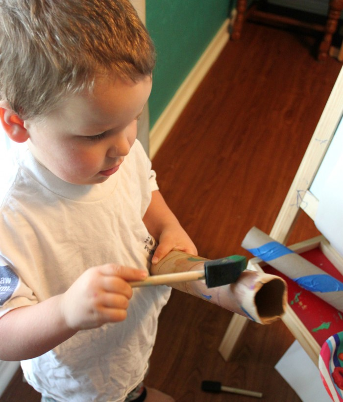 painting cardboard rolls