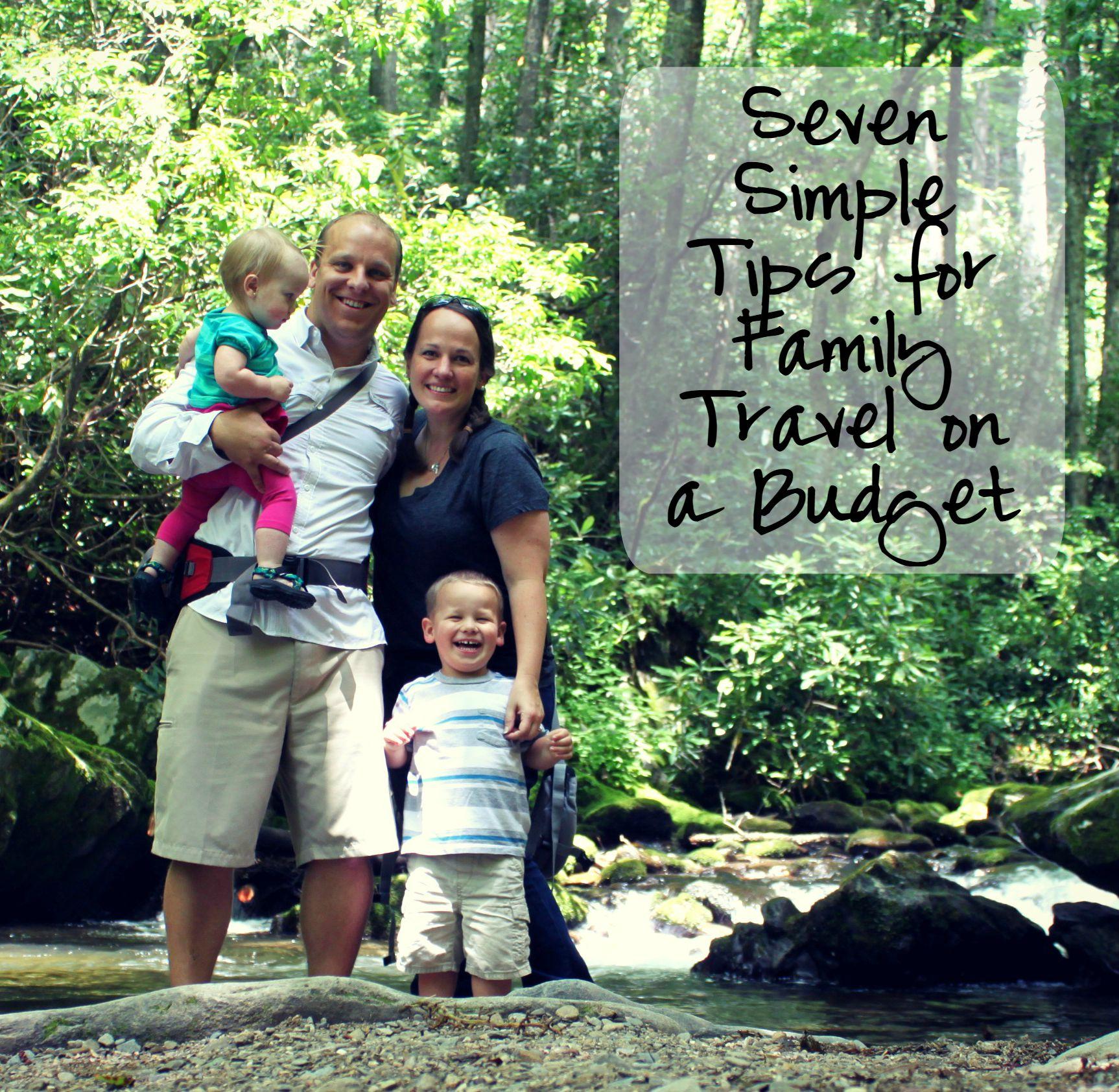 Nøysom Familie Reisetips Hvordan ta en stor tur på et lite budsjett - bare føtter på dashbordet