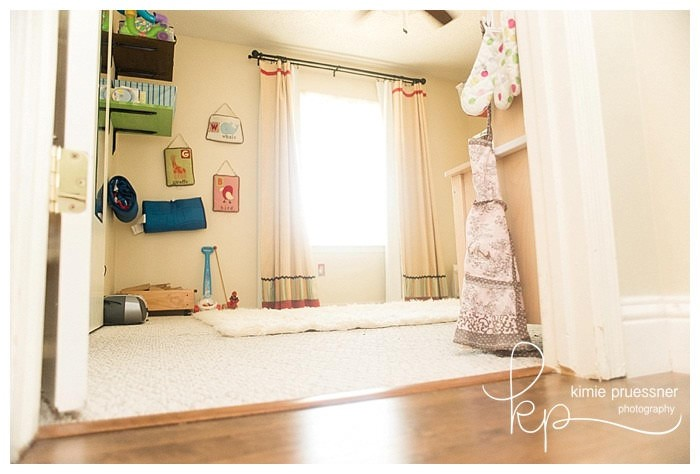 shared kids room and playroom